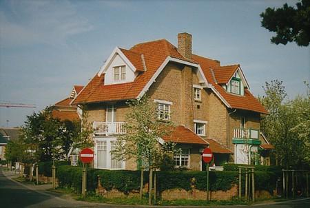 Hoge Duinenlaan 11 et 13, La Panne, Villas 'Le Grillon' et 'Jean-Hélène' (© T. Verhofstadt, photo 2001)