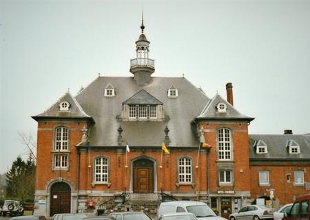 Place communale 17, Lobbes, ancienne maison communale (© T. Verhofstadt, photo 2001)