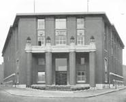 Boulevard Gustave Roullier 1, Charleroi, Université du Travail - Bâtiments d'administration (© Dumont, Dumont & Van Goethem, Quelques travaux d'architecture, [1939], p. 34)