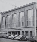 Rue Ravenstein 4, Bruxelles, siège de l'ancienne Fédération des Industries Belges - FIB, aujourd'hui FEB, façade principale en 1958 (© Habitat Habitation, 4, p. 45, 1958)