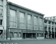 Rue Ravenstein 4, Bruxelles, siège de l'ancienne Fédération des Industries Belges - FIB, aujourd'hui FEB, façade principale en 1967 (© KIK-IRPA, Brussels)