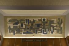 Rue Ravenstein 48-70 et Cantersteen 39-55, Bruxelles, extension du Shell Building en intérieur d'ilôt, grande salle de conférence, peinture d'Iris Jasinski (© ARCHistory, photo 2019)
