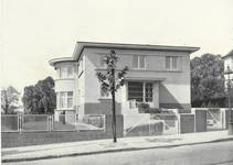 Jean et Pierre Carsoellaan 198, Ukkel, villa Coene (© Dumont, Dumont & Van Goethem, Quelques travaux d'architecture, [1939], p. 46)