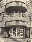 Square Solbosch 6, Ixelles, entrée (© Dumont, Dumont & Van Goethem, Quelques travaux d'architecture, [1939], p. 49)