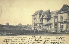 Koning Albertplein 3, La Panne, vue sur l'enfilade de maison côté sud-ouest de l'ancien square Bonzel. La Villa 'Linette' est la deuxième maison de gauche (© Collection cartes postales, Yves Dumont - ARCHYVES)