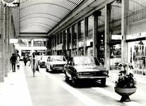 Galerie Ravenstein, Bruxelles, passage vers le Cantersteen en 1971 (© AVB/FI C-28874)