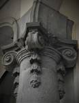 Duinkerkelaan 11, La Panne, Hotel 'Continental', détail d'un chapiteau à l'entrée (© T. Verhofstadt, photo 2019)
