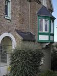 Hoge Duinenlaan 6, La Panne, Villa 'Les Sablines', logette sur la façade latérale droite (© T. Verhofstadt, photo 2019)