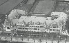Chaussée de Tirlemont 85, Jodoigne, ancienne Ecole normale pour Jeunes Filles (© Dumont, Dumont & Van Goethem, Quelques travaux d'architecture, [1939], p. 4)