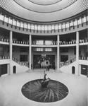 Galerie Ravenstein, Bruxelles, vue dans la rotonde vers 1960 (© Fondation CIVA Stichting/AAM, Brussels)