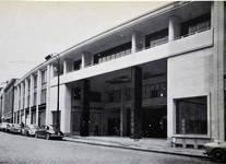 Galerie Ravenstein, Bruxelles, entrée côté rue Ravenstein en 1958 (© Habitat Habitation, 4, p. 45, 1958)