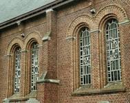 Parochiekerk Sint-Laurentius, Kemmel, bifores dans la façade sud (© Fondation CIVA Stichting/AAM, Brussels)