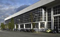 Place de l'Yser 7, Bruxelles, Citroën, ateliers, façade coté quai des Péniches (© ARCHistory, photo 2017)
