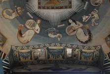Rue Ravenstein 26-46, Bruxelles, Assurances Trieste, coupole du hall d'entrée peinte par George M. Baltus, détail à l'entrée avec la signature de l'artiste (© T. Verhofstadt, photo 2019)
